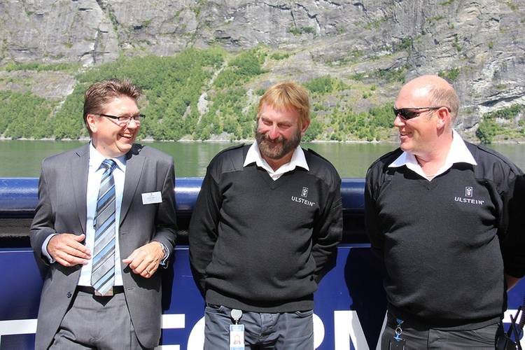 Managing director in Ulstein Verft, Kristian Sætre, with two of his yard colleagues, Svenn Harald Walaunet and Roy Voldsund. (Photo: Ulstein Group)