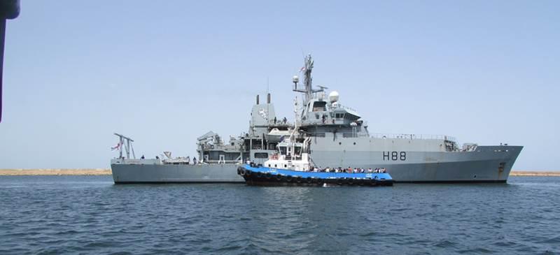 HMS Enterprise helps evacuate British citizens from Libya (U.K. Royal Navy photo)